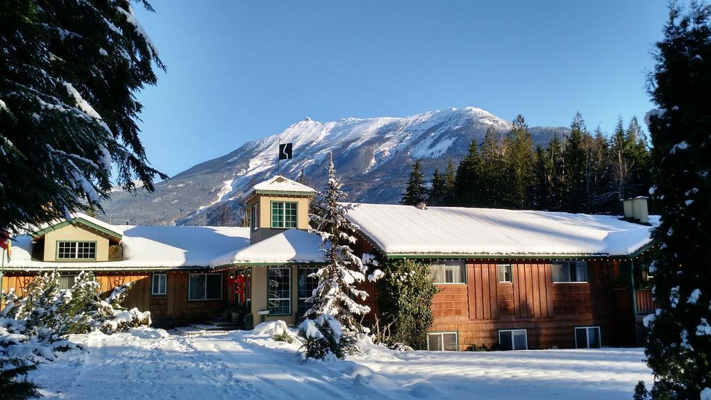 Mulve Hill Creek & Wilderness Inn